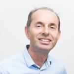 This image shows a photo of Jan Maarten de Vet
